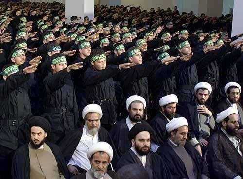 musulmans faisant le salut nazi