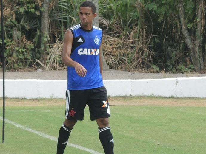 Recife é integrado ao time profissional do Fla (Foto: Cahê Mota/GloboEsporte.com)
