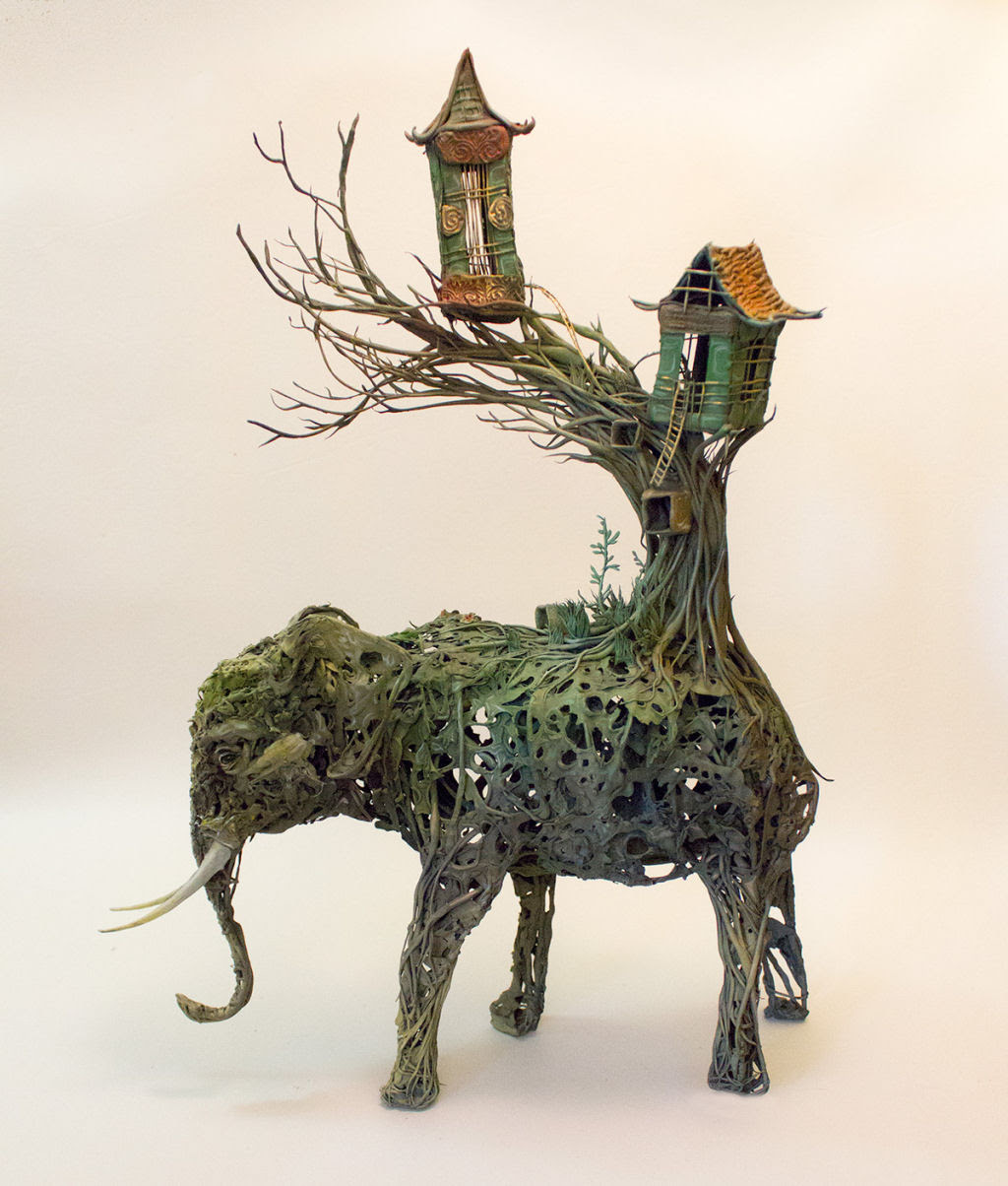 As esculturas surrealistas de Ellen Jewett mesclam plantas e vida animal 08