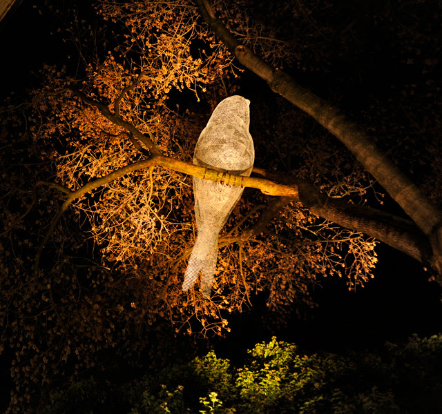 Luminous Wire Birds in Trees by Cédric Le Borgne wire light installation birds