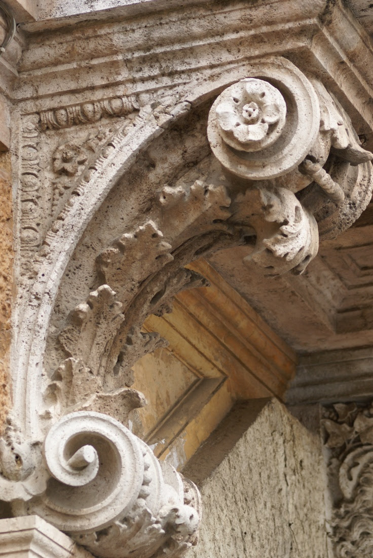 Beautiful corbel detail in Siena