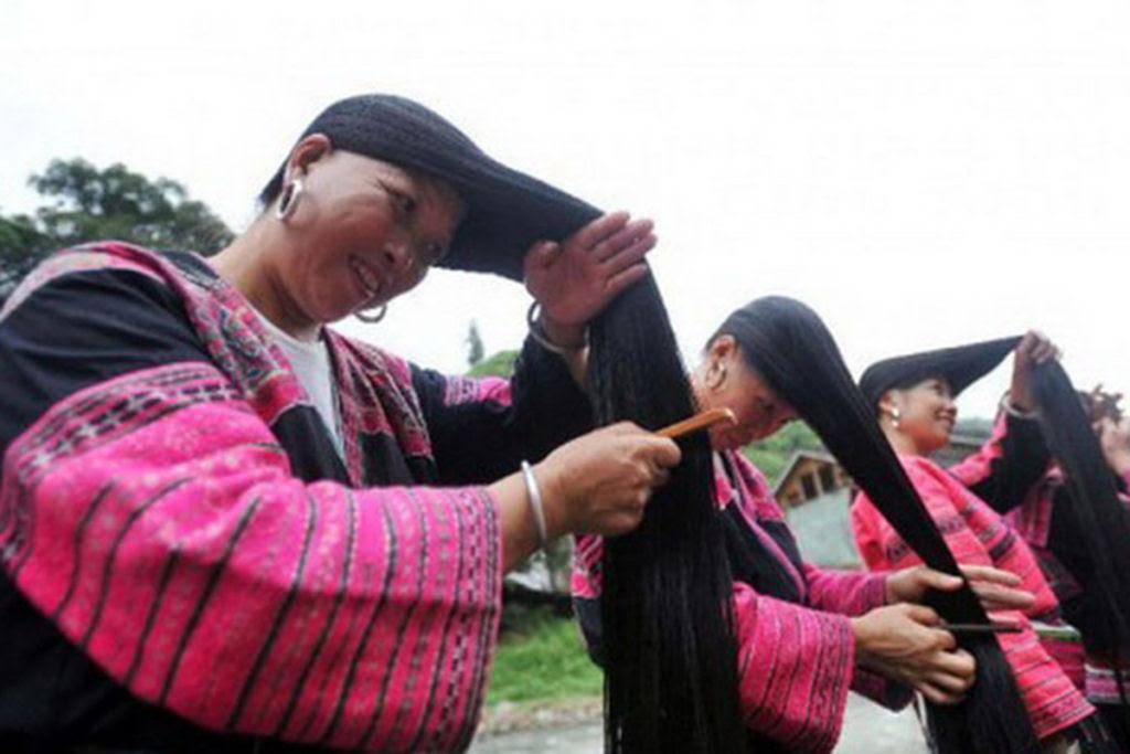 """Nesta aldeia vivem as """"Rapunzels"""" com o cabelo mais longo do mundo e guardam um curioso segredo 04"""