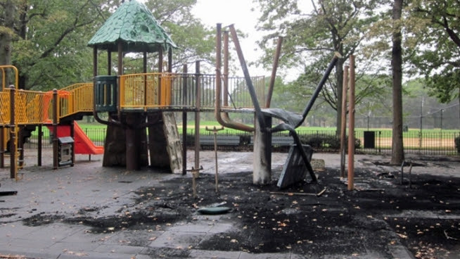 A community in Queens wants to find the person who set fire to a playground at Alley Pond Park overnight.