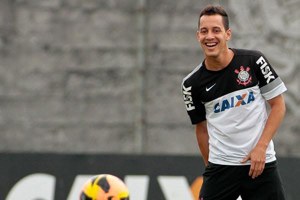 Rodriguinho segue tendo chances com a chegada do técnico Mano Menezes ao Corinthians