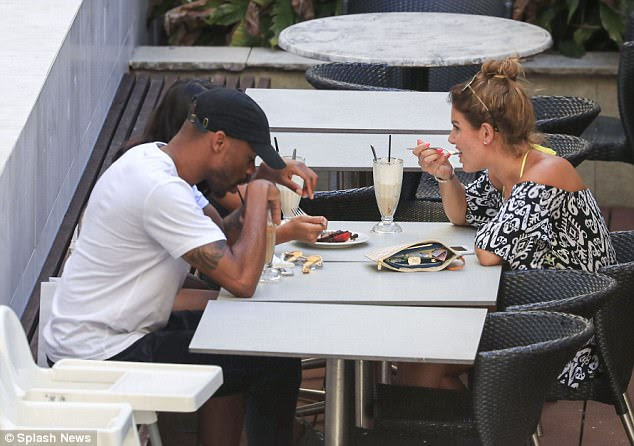 To be a fly on the wall: The duo happily tucked into some deserts at the eatery, where they were joined by Vanessa's PR friend Mikey Abegunde