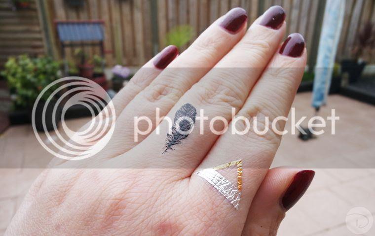 dark red nails tattoo feather triangle silver black gold flash flashtattoo
