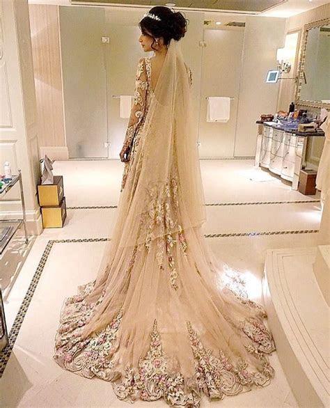 Roshini Daswani's Wedding Looks   Desi Fashion   Wedding