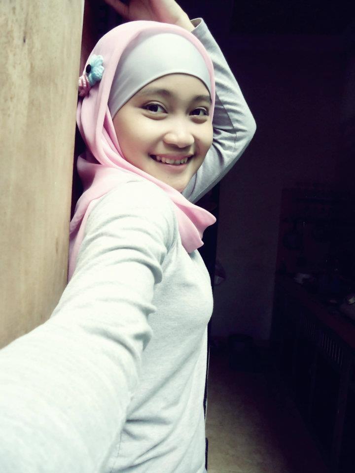 Foto Gadis Jepang Pamer Toket Gede  Download Bokep Indonesia Gratis