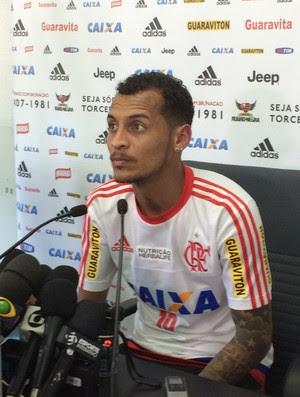 Alan Patrick, do Flamengo, entrevista no Ninho do Urubu (Foto: Ivan Raupp)
