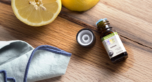 10 Household Uses for Lemon Essential Oil