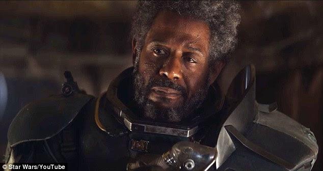 """Primeiras impressões: O clipe começa com o encontro com o personagem de Forest Whitaker Saw Gerrera que diz: """"O mundo está se desfazendo.  bandeiras imperiais reinar através da galáxia """""""