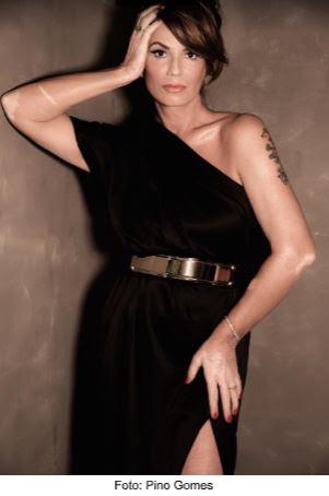 revista High Profile de Londres emitiu um convite especial para a Anitta