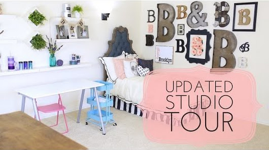 Our Film Studio/Guest Bedroom is finished! 🎉👯 🎥😊 Want to see it ...