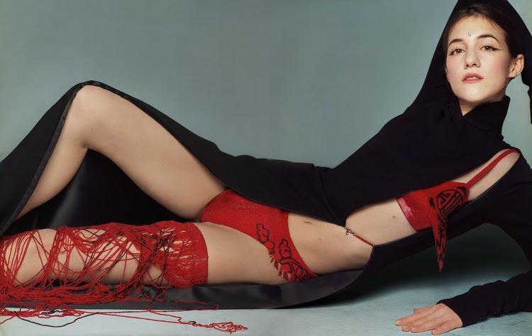 Charlotte_Gainsbourg-Satoshi_Saikusa-01.jpeg