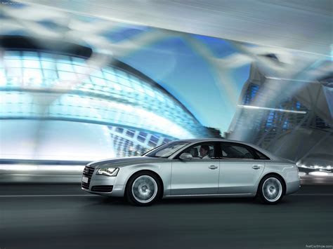 Audi A8 L (2011)   picture 31 of 118