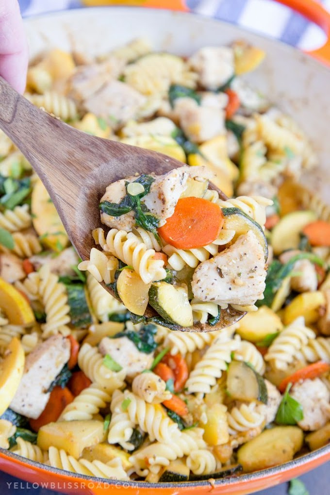 Meal-Prep Garlic Chicken And Veggie Pasta / Grilled Garlic and Herb Chicken and Veggies   Recipe in ... : But this one pot creamy garlic pasta with chicken and veggies just might be a masterpiece!