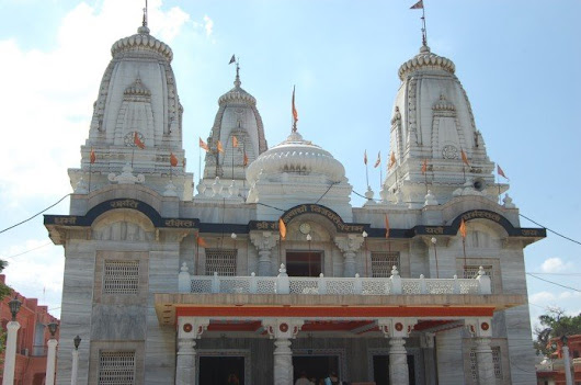 Religious Views of Gorakhnath Temple Gorakhpur with Taxi Services