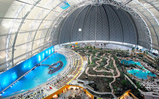 Inside the Biggest Water Park in the World