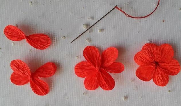 Цветы из гофробумаги своими руками (20)