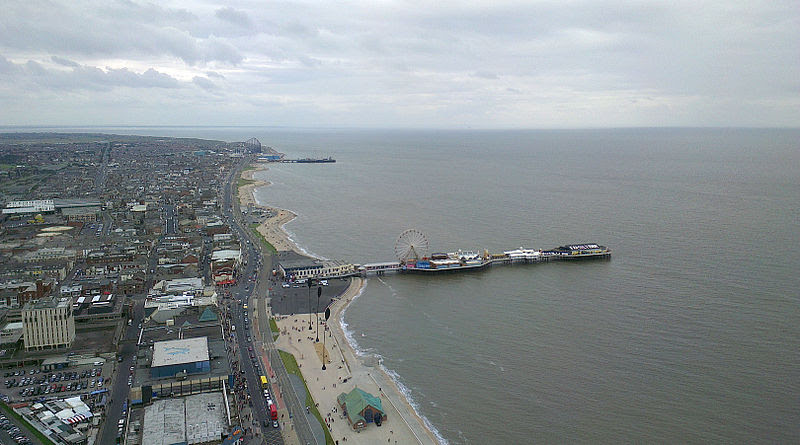 File:Central Pier, Blackpool.jpg