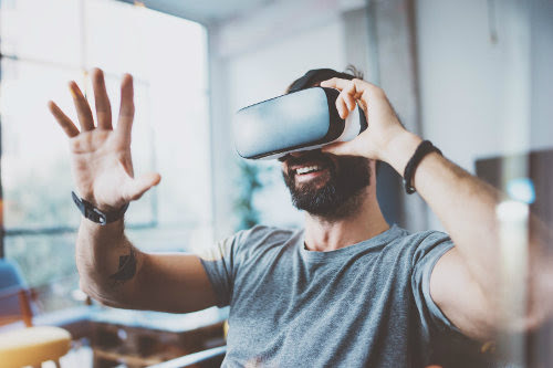 Virtual Reality 101: What You Should Know About VR Technology | SMALL BUSINESS CEO