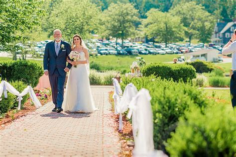 Farmstead Golf & Country Club Wedding Cost   Info (with