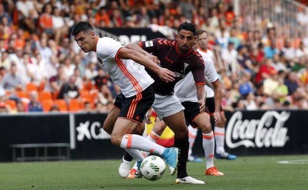 El Barça B sentencia al Racing y el Alba toma ventaja en Valencia