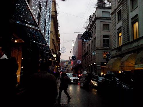 Atmosfera di Natale 2012 in Montenapoleone by Ylbert Durishti