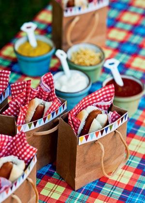 10 ideias decoracao festa junina anivesario festinha escola em casa sacolinha hot dog(6)