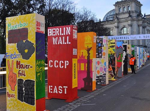 Dominosteine am Brandenburger Tor (41)