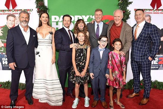Esquadrão: Alessandra saltou para um estalido com o elenco com estrelas da sequência da comédia, que inclui Mel Gibson, Mark Wahlberg, Linda Cardelinni, Will Ferrell, John Lithgow e John Cena