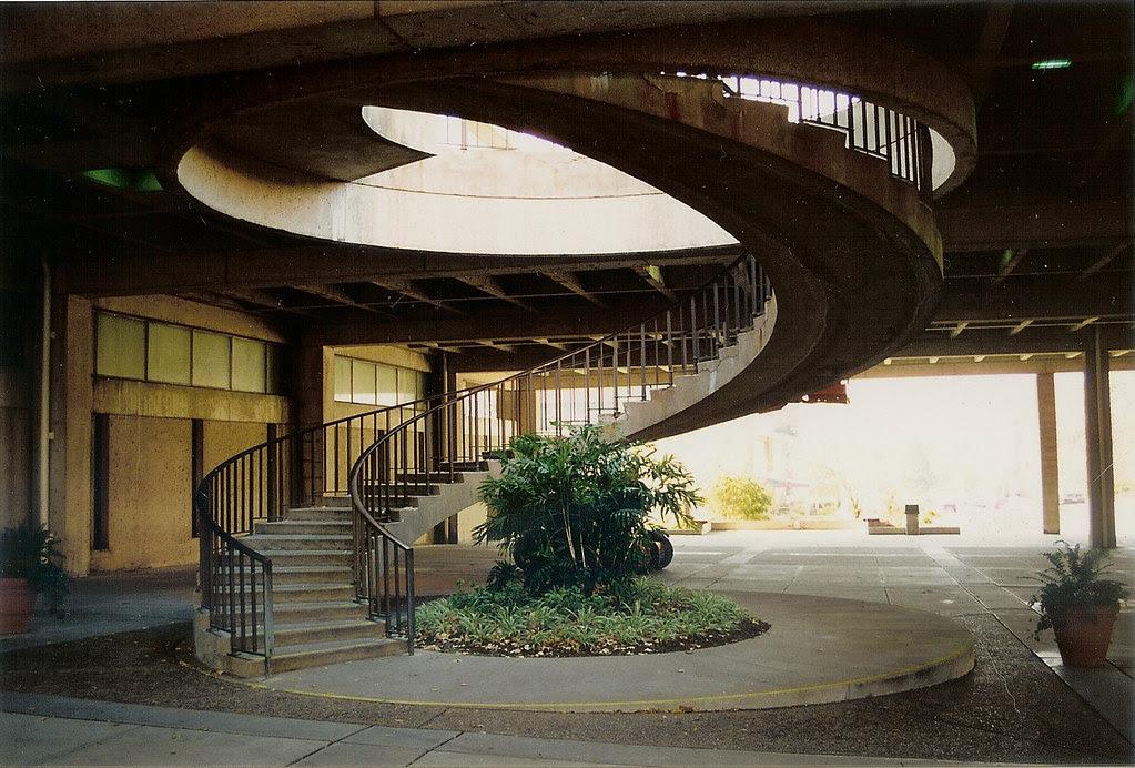 Plaza Stair 01.jpg