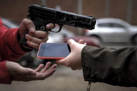 Resultado de imagem para assalto celular