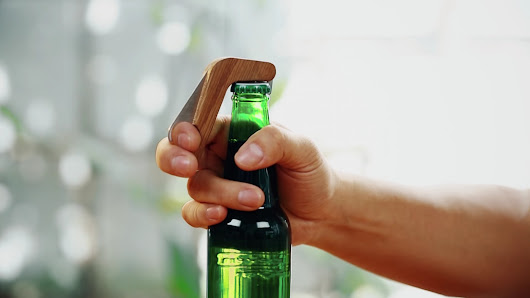 This smart bottle opener will message your friends when you open a beer