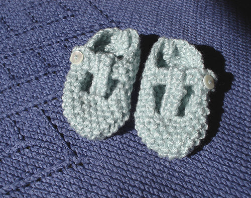 Crafting 365 Day 157: The wee blue shoes