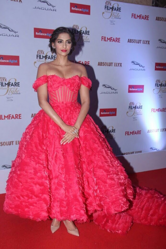 Sonam Kapoor Celebrity Fashion Disaster | Fashion Mate