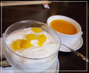 デザートは別腹ですので、杏仁豆腐とマンゴプリン♪