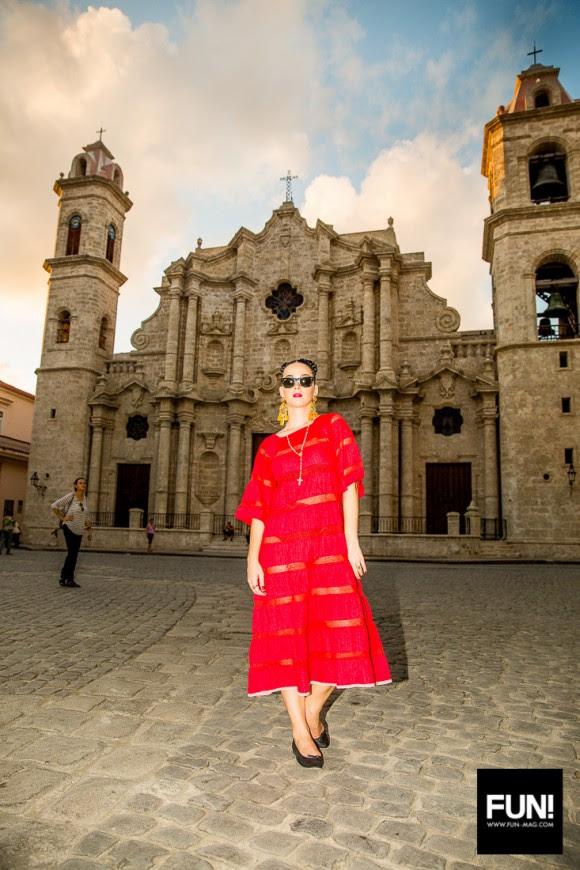 Katy Perry en la Plaza de la Catedral. Foto: Cuenta de Instagram de la cantante