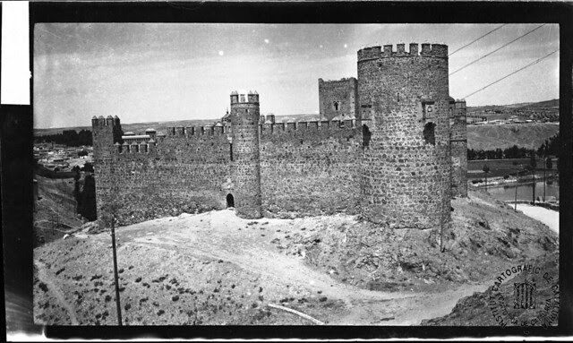 Castillo de San Servando en 1933. Fotografía de Gonzalo de Reparaz Ruiz. © Institut Cartogràfic de Catalunya