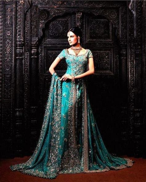 Designer Wear Lehenga Cholis for Bridal Wear, L
