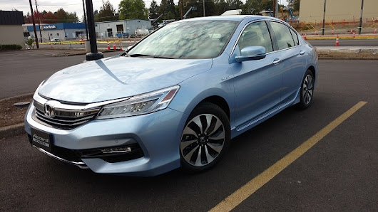 2017 Honda Accord Hybrid earns top Earth Day ranking - Torque News