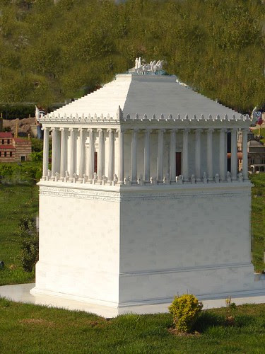 Mausoleum of Maussollos at Halicarnassus (Scale Model)