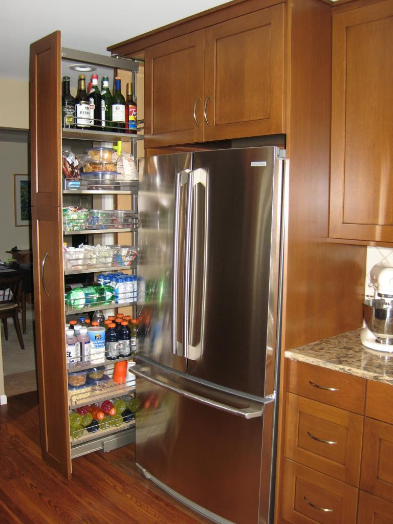 Modern and Classic Pull out Pantry Design - HomesFeed