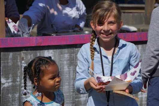 3 Reasons to Visit Knott's Berry Farm's Boysenberry Festival | Global Munchkins