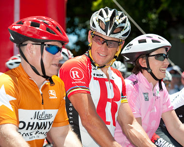 10x8 - Lance Armstrong, and on his left, Queensland Premier Anna Bligh - Queensland Ride Relief, led by Lance Armstrong, Robbie McEwen & Allan Davis; Brisbane, Queensland, Australia; Monday 24 January 2011. Photos by Des Thureson - http://disci.smugmug.com