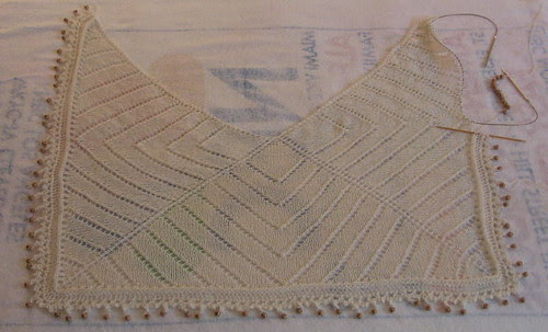 Three-quarter square shawl