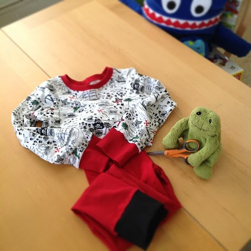 Completed PJ's for Des. Good work Froggie....wait what's that lurking in the background?