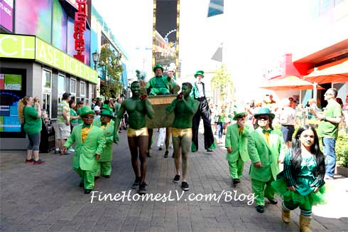 St. Patrick's Day Kicks Off With Festive Parade For O'Sheas BLOQ Party » Lifestyle Magazine Curating Travel, Food, Tech, Celebrities And Events