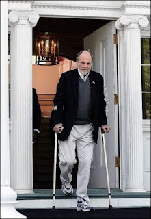 The Associated Press Gov. Jon S. Corzine uses crutches to walk down the steps at Drumthwacket in Princeton after returning to the duties of governor on May 7.