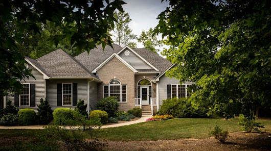 Think Curb Appeal When Remodeling to Sell - Realty Times